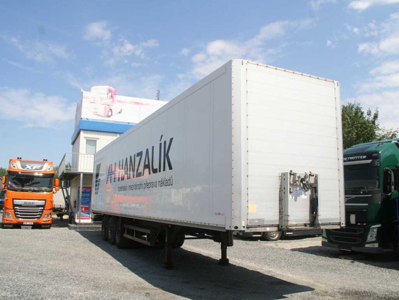4d650e79d6c Prodej nákladní techniky a přívěsů - Truck Centre Praha